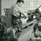 Bürstenmann GmbH: Historie: Nasskämm- und Geradebindemaschine