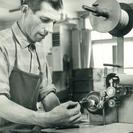 Bürstenmann GmbH: Historie: Vorbindemaschine für Ringpinsel